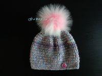 Dívčí háčkovaná čepice